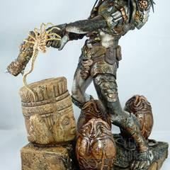 Tromblon Hunter Pedator, sculptured by Narin, with Konami Facehugger